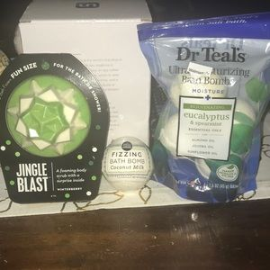 NWT Premium Bath Fizzer & 2 Pkg's of Bath Bombs